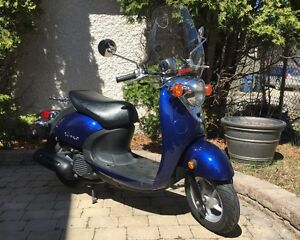 2009 Yamaha Vino Classic... Scooter season is finally here!