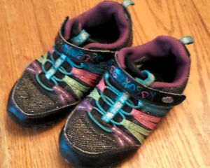 Running shoes size 8t