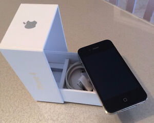 iPhone 4 - Rogers - Black -- EXCELLENT condition