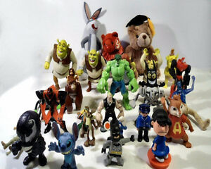 ACTION FIGURES TOY LOT OF 27 SHREK HASBRO PLAYMOBIL DISNEY MARVE