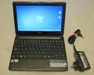 "Acer Aspire One Laptop Mini D270-1998 10.1"" Intel"