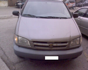1998 Toyota Sienna for PARTS!! Brown in color!