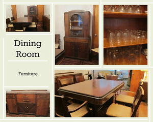 Vintage Dining Room Set - Wood *Solid - EXCELLENT condition
