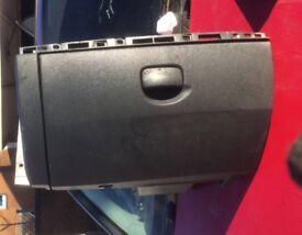 Renault Clio mk3 glove box