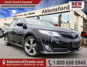 2014 Toyota Camry SE Accident free, w/ Sunroof!