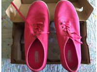 REDUCED Skechers sz5 Brand New with Box