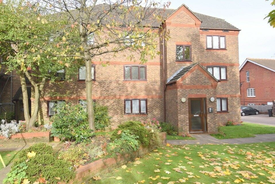 ***DSS WELCOME***LOVELY TWO BEDROOM UNFURNISHED FLAT IN MUSWELL