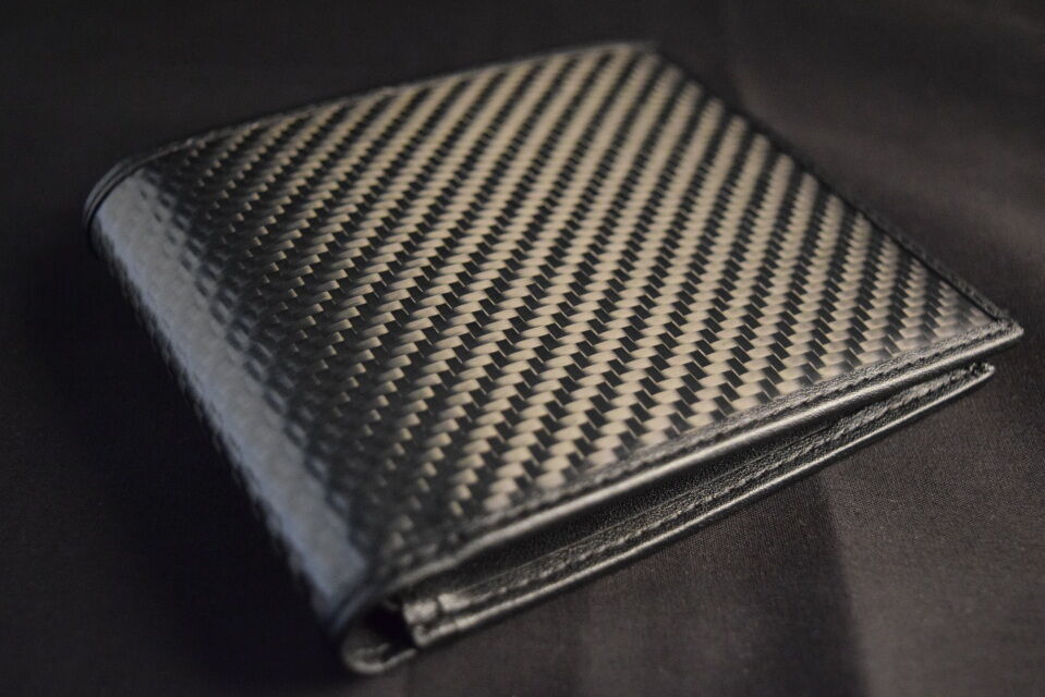 Real Carbon Fiber & Genuine Leather Bifold Wallet W/ Phot...
