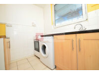 Coloumbia Road E2 ---- Superb 3 Bed Apartment --- 530pw --- E2 7BE --- Available Now !!!