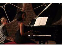 Piano tutor/teacher - discover your piano hands! £30/h