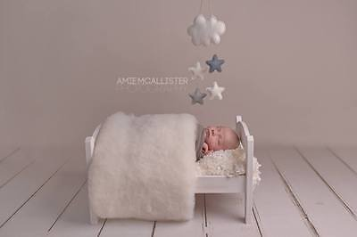Newborn Photo Prop White Baby Blanket  Basket filler Wool Fluff Blanket Liner UK