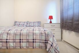 Lovely Double Room next to the Station