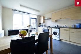 Dalston E8 ---- Fantastic 4 Bed Townhouse With Garden ---- E8 3SY ---- £623pw ---