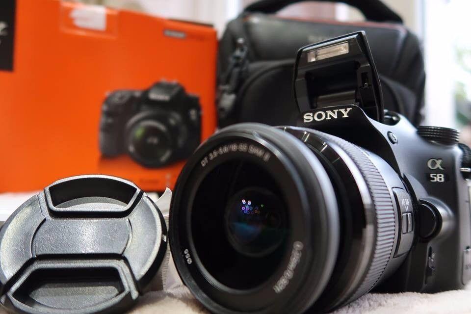 Sony SLT-A58 with SAL18-55II lens + Camera Bag
