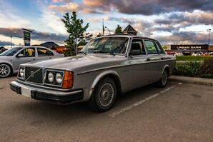 Must sell! 1980 Volvo 240 GL *RARE Manual Transmission*