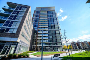 BIG AND BRAND NEW LUXURY 1 BEDROOM + DEN- Move in today!