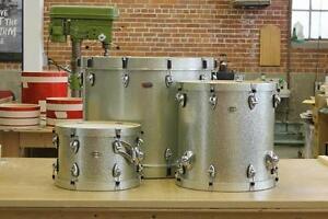 Drum Ayotte silver sparkles en érable avec rims en bois 13 tom 16 floor et 24 bass drum en spéciale cette semaine