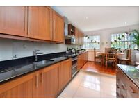 CAMDEN ROAD, N7: BEAUTIFUL, 2 DOUBLE BEDROOM FLAT, LARGE GARDEN, FURNISHED, MODERN FINISH THROUGHOUT