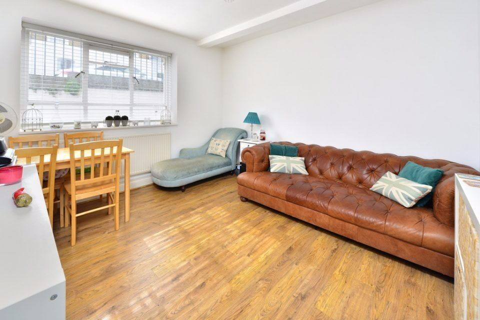 PACKINGTON STREET, N1: LOVELY 1 DOUBLE BEDROOM FLAT, WELL LOCATED SHORT DISTANCE FROM ANGEL