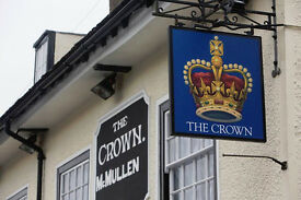 Full and Part Time Bartender/ Waiter - Up to £7.20 per hour - Crown - Waltham Abbey