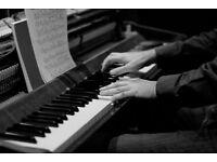 Female Vocalist seeking keyboard/pianist