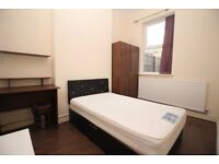 Double Rooms for Rent in Stanleyfield Rd, PR1 1QL - Only £200 for First Month!