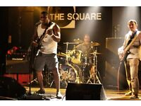 BAND MAKING WAVES LOOKING 4 VERSATILE DRUMMER GT SONGS WITH CHART POTENTIAL SOULFUL/ROCK/POP/REGGAE