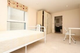 ⭐️⭐️⭐️ NO DEPOSIT ON ALL MY 700ROOMS ⭐️⭐️⭐️ En-Suite with GYM in Canning Town - MOVE ASAP