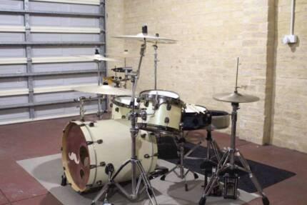 DDRUM 5 Piece Kit, DW Snare, Hardware, Zildjian Cymbals SEPERATE
