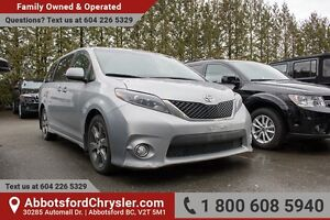 2015 Toyota Sienna SE 8 Passenger NAV, DVD, Sunroof, Power Doors