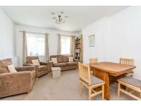 3BC - Spacious Quiet TWO BED FLAT (1st Floor) with Parking in Hendon, NW4