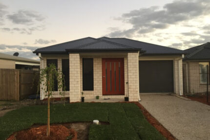 Large Room in Newly Built Furnished Home, Close to Everything Loganlea Logan Area Preview