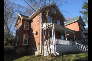 Single Room Available at 619 Aylmer St