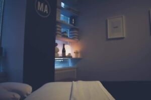 Westmount - Massage therapy studio for rent