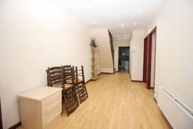 Doubles in Brook St, PR2 3AH- Only £200 for First Month!!