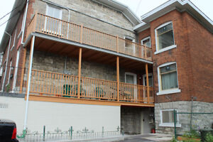 Newly Renovated! Stunning Downtown- 2 Bedroom on Bay Street