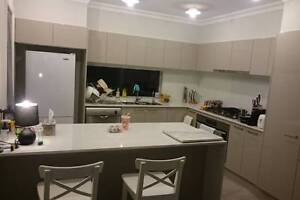 FEMALES ONLY Unlimited Internet Bills Included ROOM RENT $250 Cecil Hills Liverpool Area Preview