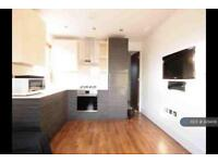 2 bedroom house in Oliver Road, London, E10 (2 bed)