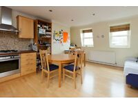 ESSEX ROAD N1; A WELL PROPORTIONED TOP FLOOR ONE BED FLAT CLOSE TO ANGEL