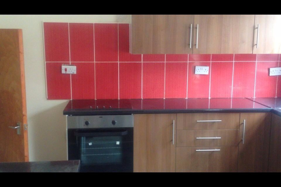 Spacious 1 Bedroom Flat Fully Furnished Suit Couple Or Single Working Tenants Only