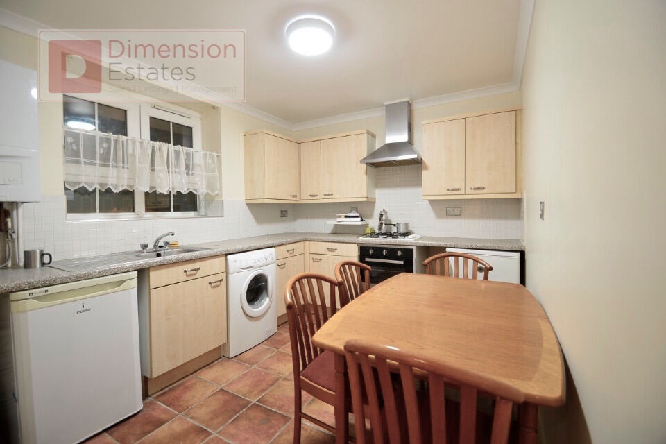Amazing 3 Bed flat stone throw from Old Ct - City N1
