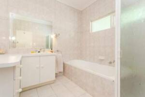 share house next to flinders with ensuite