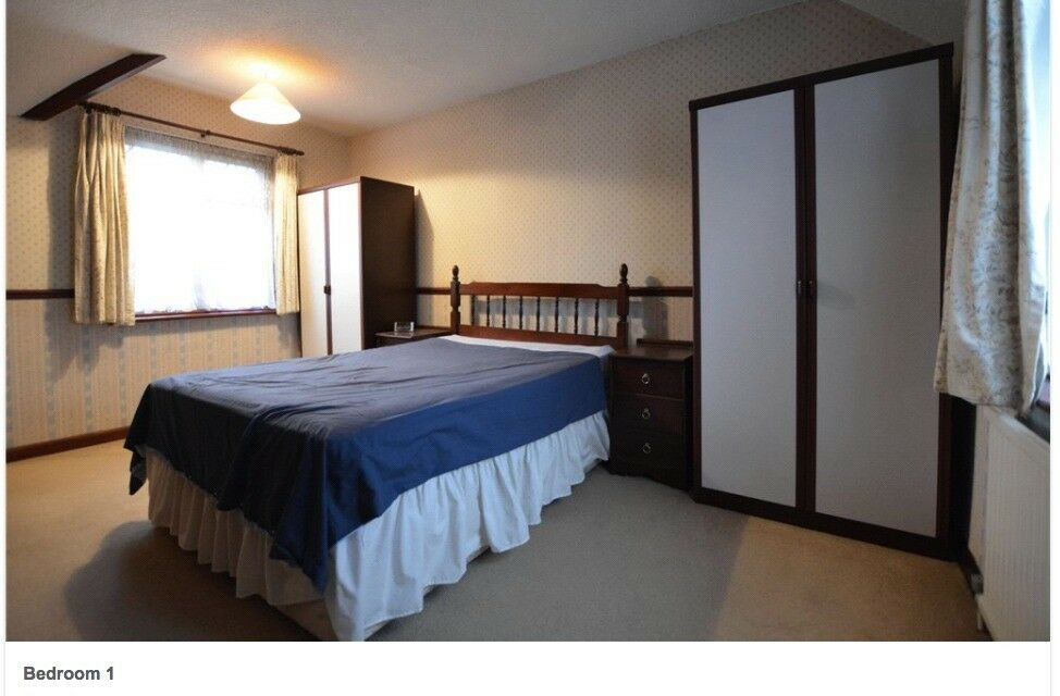 Double room inc bills: Clean, Quiet, Peaceful House