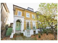 BEAUTIFUL, MODERN INTERIOR, SPACIOUS TWO DOUBLE BEDROOM PROPERTY LOCATED IN THE HEART OF CAMDEN