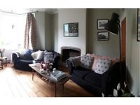2x sofas free to collect
