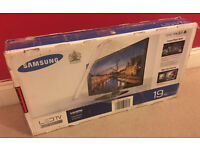 "SAMSUNG 19"" LED TV - freeview - Warranty"