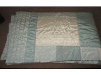 BEAUTIFUL BEDSPREAD QUILT IN DUCK EGG BLUE AND CREAM LARGE SIZE FOR KING OR DOUBLE