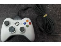Xbox 360 Official Wireless Controller with Play & Charge Kit