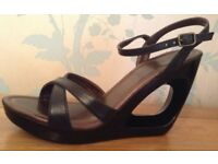 Women's Wedge Sandals Size 5.5 NEW/Boxed