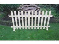 *UNLIMITED STOCK* WOODEN FREE STANDING SMOOTH PICKET FENCING 6FT X 4FT PRICE INCLUDES DELIVERY!